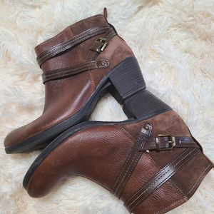 Earth Origins Raven leather booties 9W